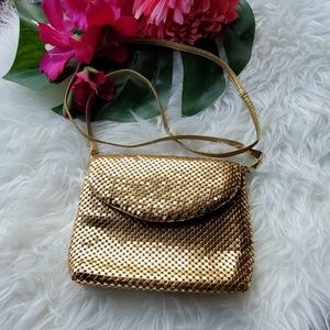 VTG Unbranded Gold Metal Mesh Small Bag with Strap